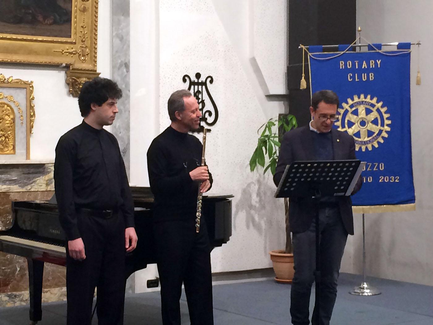 http://www.rotarysaluzzo.it/wp-content/uploads/2016/02/Duo_Flauto_Pianoforte_Rotary_Saluzzo_160213_02.jpg